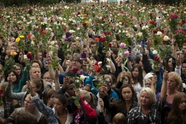 Over 150,000 throng Oslo flower vigil for attacks victims