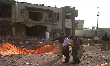 Blast in Karachi SSP CID targeted, 8 killed