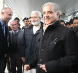 Metro-Bus-Shahbaz-Sharif-with-others