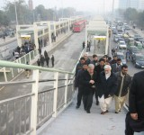 Metro-Bus-System-Lahore-Shahbaz-Sharif-Arriving