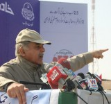 Shahbaz Sharif distribute Solar Home Systems in Bahawalpur (18)