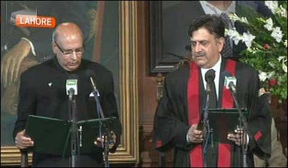 Muhammad Sarwar takes oath as 35th Governor of Punjab