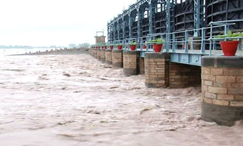 Flood in Chenab River – 500 villages inundated in Multan & Jhang