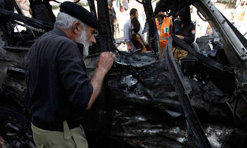 Charsadda Road Peshawar explosion, at least 17 peoples killed