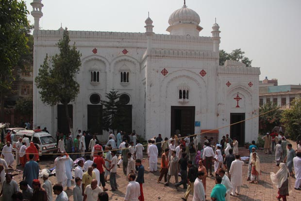 Peshawar Church suicide attack, over 60 peoples killed