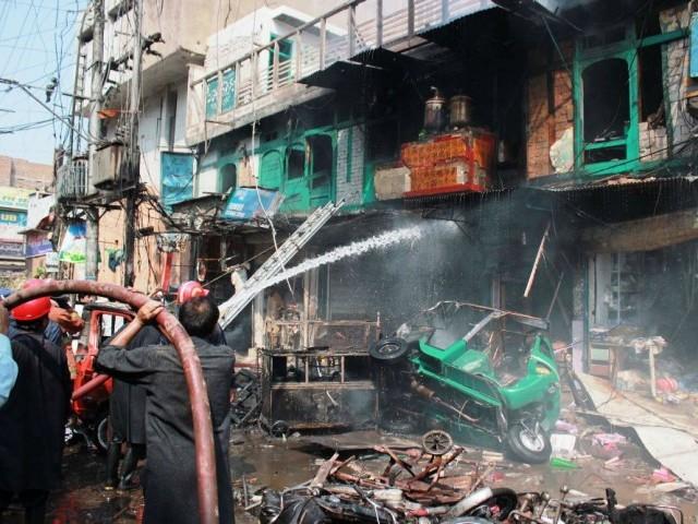 Blast in Qissa Khawani Bazar Peshawar, 40 Killed