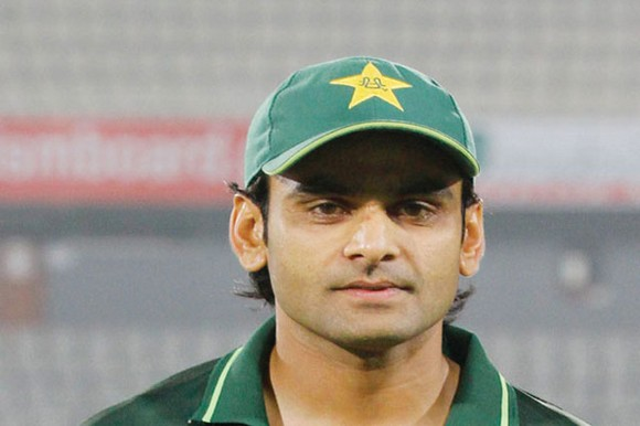 Hafeez dropped from Test squad