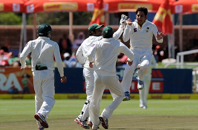 Pakistan beat South Africa in 1st Test Match by Seven Wickets