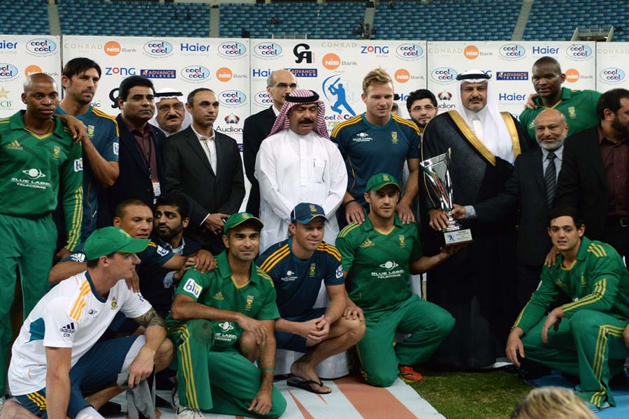 South Africa beat Pakistan by six runs to sweep T20 series 2-0