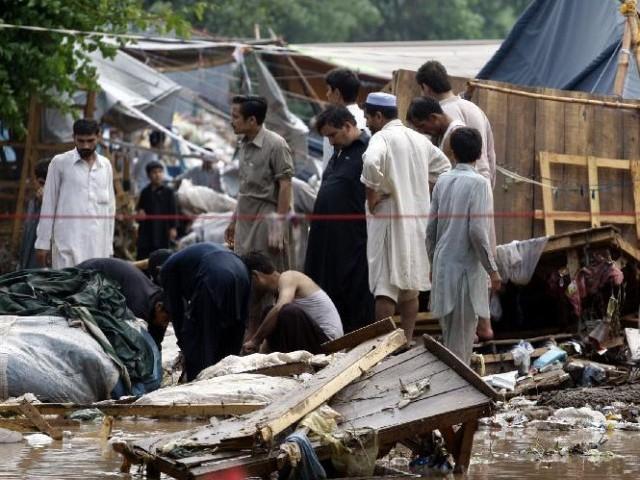 Heavy storms in Peshawar kills 16, injured 82