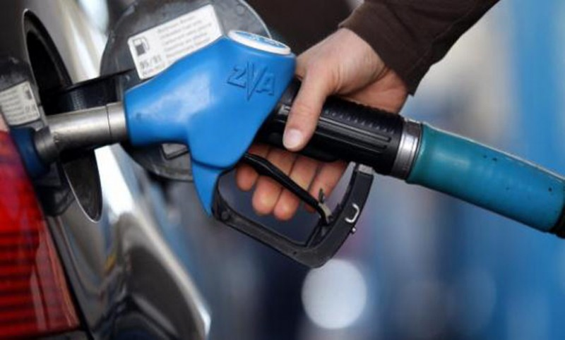 Petrol expected to decrease by Rs 4.50 in November