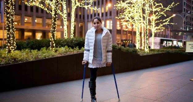 Pakistani girl who lost leg in earthquake competes in ski racing